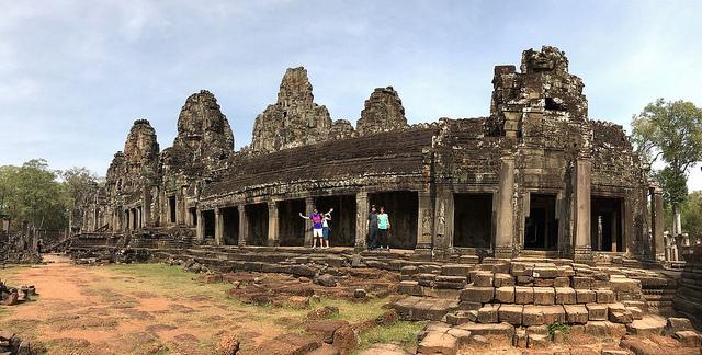 Bayon temple siem reap angkor wat